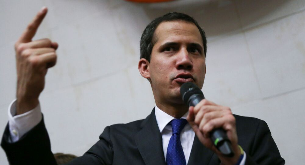 Lider opozycji Juan Guaido złożył przysięgę jako tymczasowy prezydent Wenezueli
