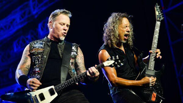Lider amerykańskiej grupy Metallica James Hetfield i gitarzysta Kirk Hammett w czasie koncertu w Moskwie - Sputnik Polska