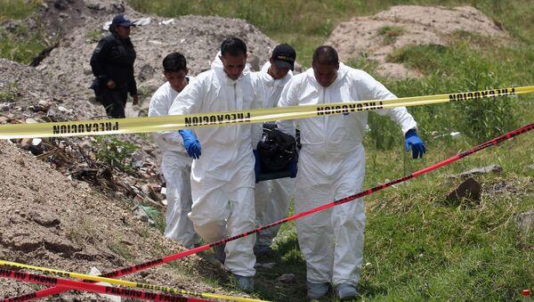 W stanie Jalisco na zachodzie Meksyku znaleziono masowy grób, w którym pochowano zwłoki 18 osób. - Sputnik Polska