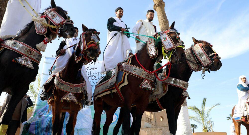 Uczestnicy Festiwalu kostiumów tradycyjnych w Trypolisie, Libia
