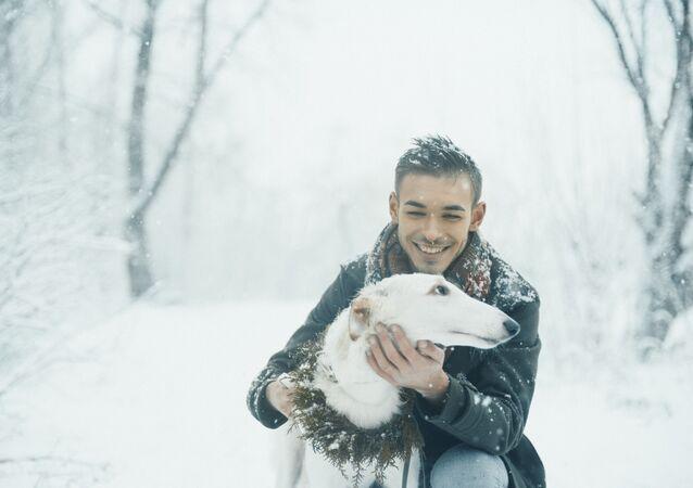 Chłopak z psem