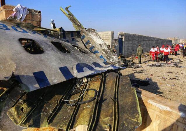 Ukraiński Boeing 737-800 na miejscu katastrofy w Iranie