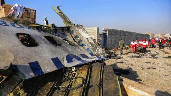 Ukraiński Boeing 737-800 na miejscu katastrofy w Iranie - Sputnik Polska