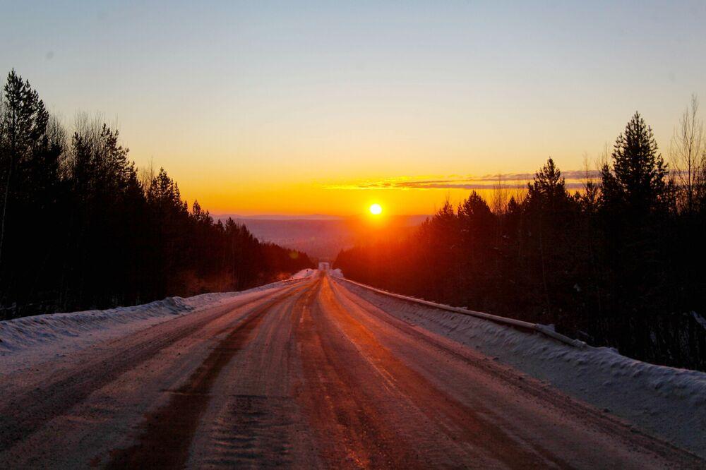 Droga między Irkuckiem a wsią Bolszoje Gołoustnoje
