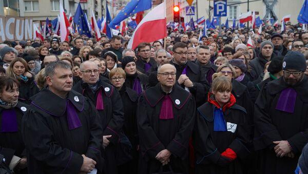 Protesty przeciwko reformie sądownictwa - Sputnik Polska
