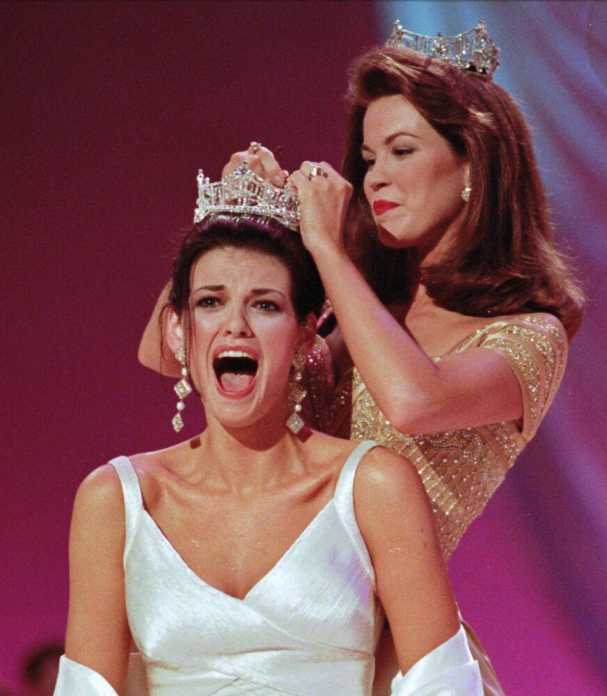 """Katherine Shindle, zwyciężczyni konkursu """"Miss America"""" w 1998 roku"""
