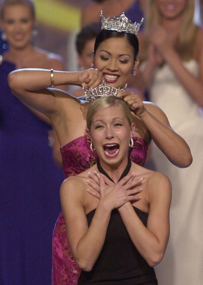 """Katie Harman, zwyciężczyni konkursu """"Miss America"""" w 2002 roku"""
