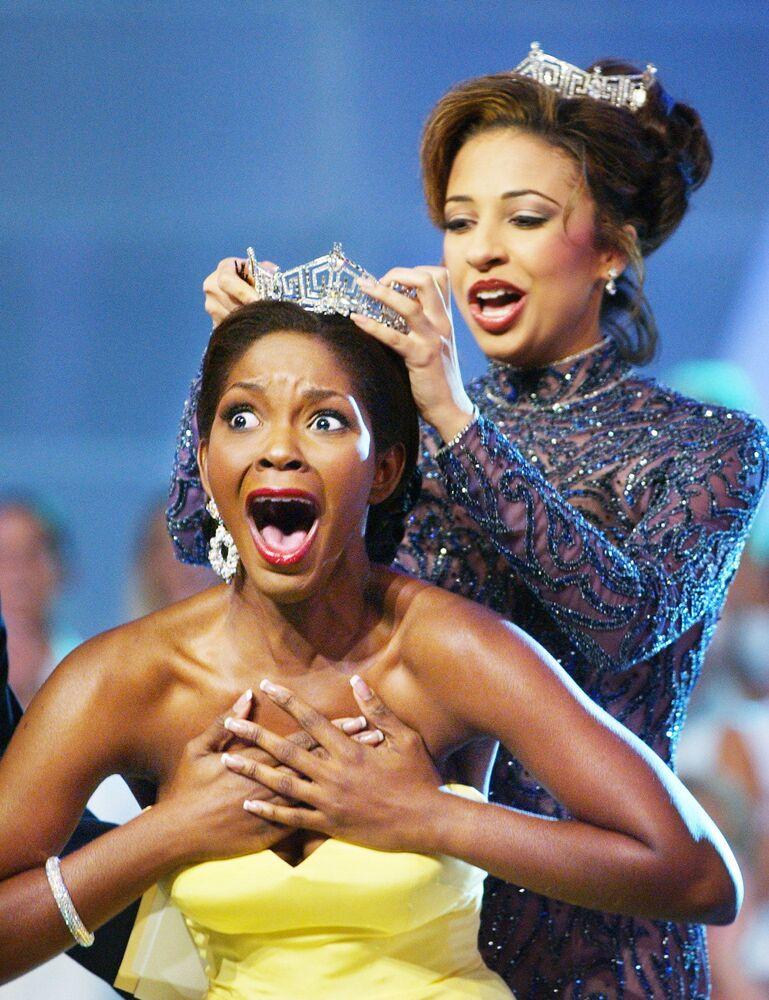 """Ericka Dunlap, zwyciężczyni konkursu """"Miss America"""" w 2004 roku"""