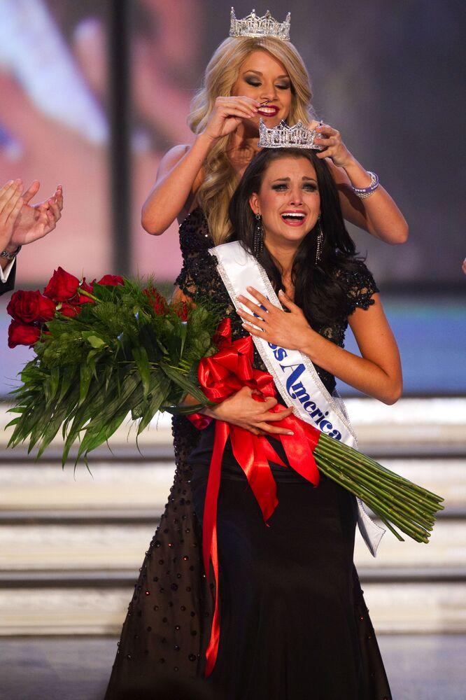 """Laura Kaeppeler, zwyciężczyni konkursu """"Miss America"""" w 2012 roku"""