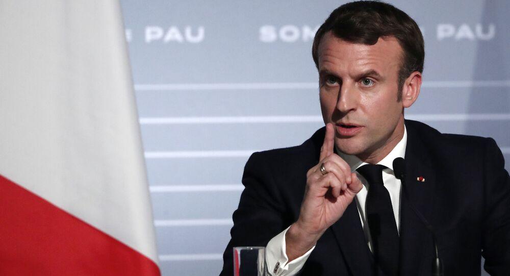Prezydent Francji Emmanuel Macron po spotkaniu z szefami państw Grupy Pięciu na rzecz Sahelu na konferencji prasowej