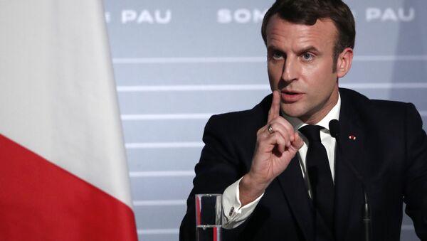 Prezydent Francji Emmanuel Macron po spotkaniu z szefami państw Grupy Pięciu na rzecz Sahelu na konferencji prasowej - Sputnik Polska