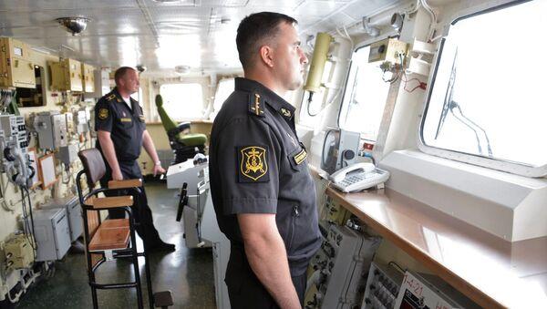 Oficerowie na stanowiskach w okręcie Admirał Essen Floty Czarnomorskiej  - Sputnik Polska
