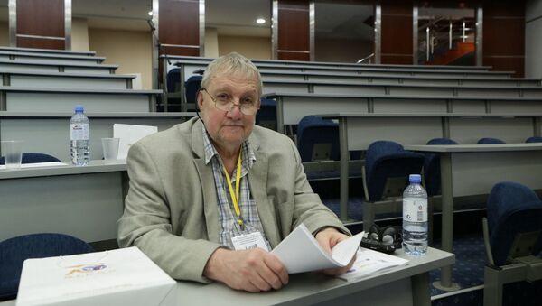 Kanadyjski historyk Michael Jabara Carley - Sputnik Polska