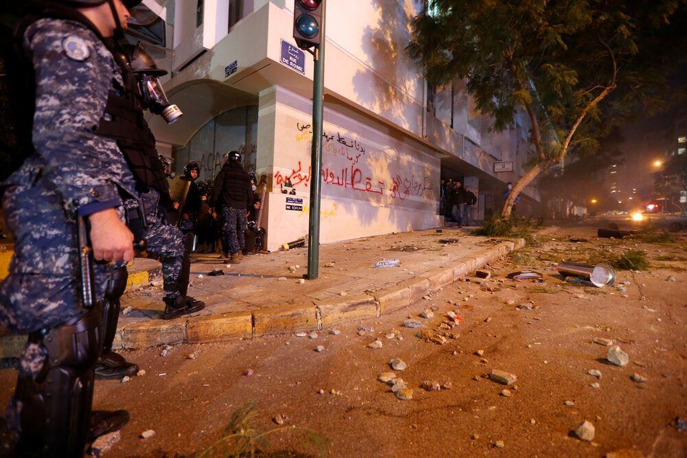 Demonstracje antyrządowe w Bejrucie.