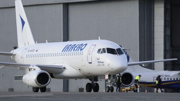 """Samolot """"Suchoj Superjet-100"""" linii lotniczej """"IrAero"""" - Sputnik Polska"""