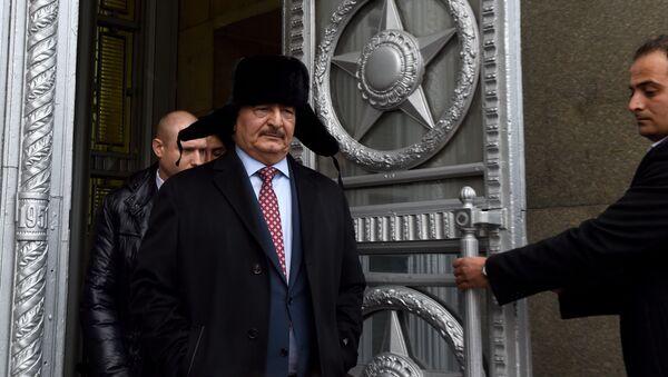 Dowódca Libijskiej Armii Narodowej Chalifa Haftar po spotkaniu z Siergiejem Ławrowem, Moskwa 2016 rok - Sputnik Polska