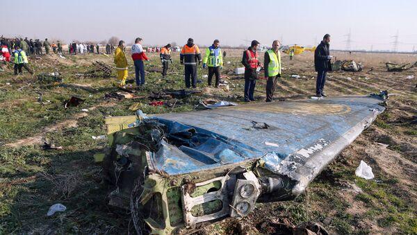 Miejsce katastrofy samolotu pasażerskiego Ukraińskich Linii Lotniczych w Iranie - Sputnik Polska