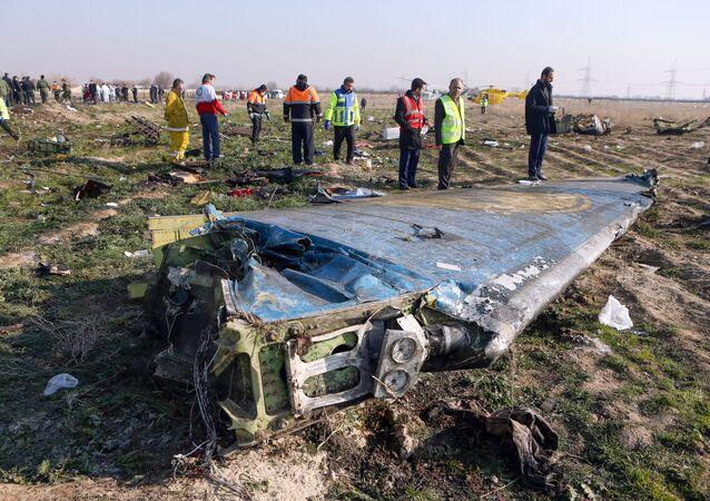 Miejsce katastrofy samolotu pasażerskiego Ukraińskich Linii Lotniczych w Iranie