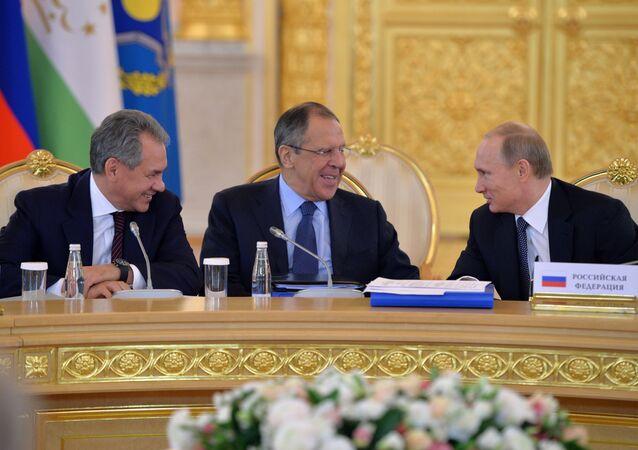 Siergiej Ławrow i Siergiej Szojgu