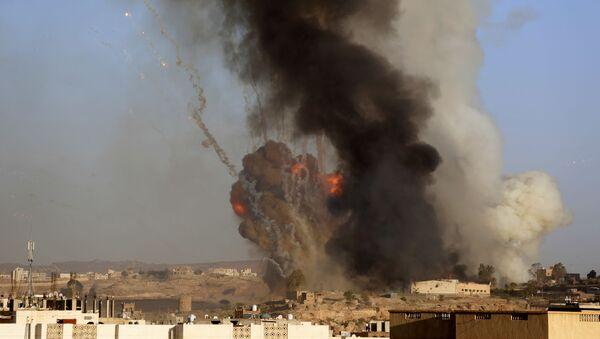 Nalot na Jemen sił powietrznych koalicji kierowanej przez Arabię Saudyjską - Sputnik Polska