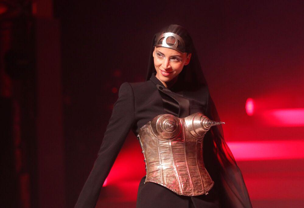 Ostatnie modne show Jean-Paula Gaultiera w Paryżu