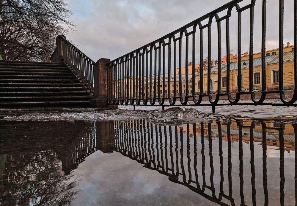 Promenada wzdłuż rzeki Fontanki