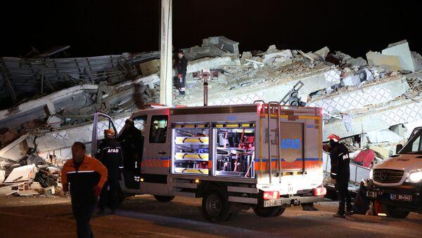 Skutki trzęsienia ziemi na wschodzie Turcji - Sputnik Polska
