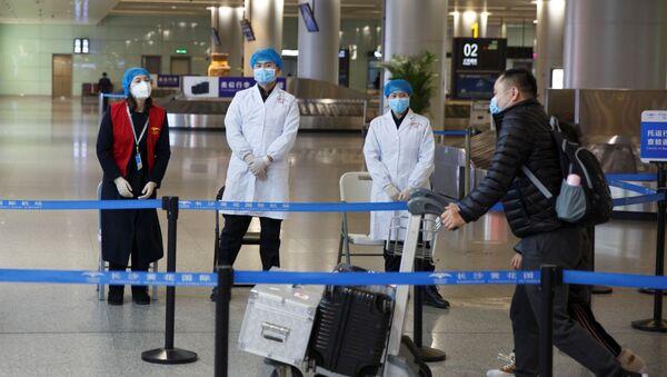 Monitoring medyczny na lotnisku Changsha, Chiny - Sputnik Polska