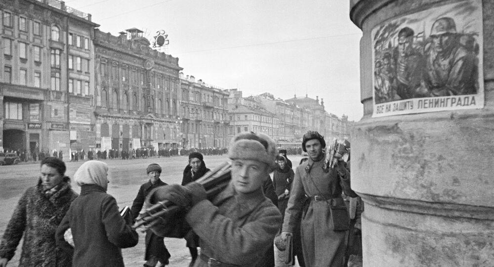 Newski Prospekt podczas blokady Leningradu, październik 1941 roku