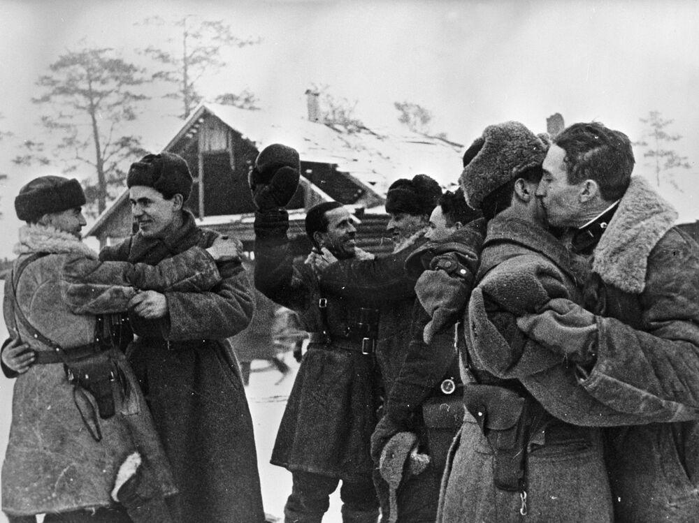 Spotkanie bojowników frontów Leningradu i Wołchowa , 18 stycznia 1943 rok