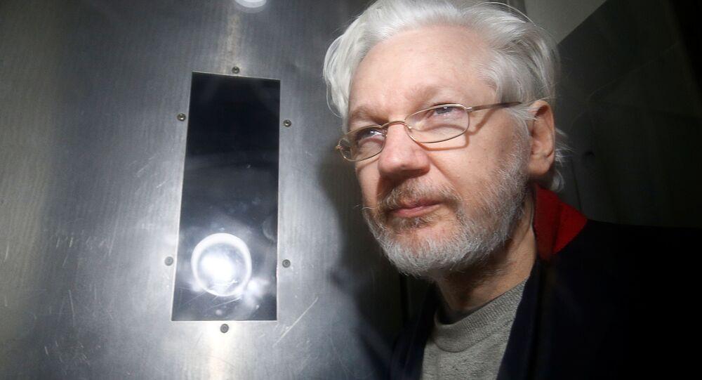 Założyciel WikiLeaks Julian Assange w sądzie Westminster Magistrates w Londynie
