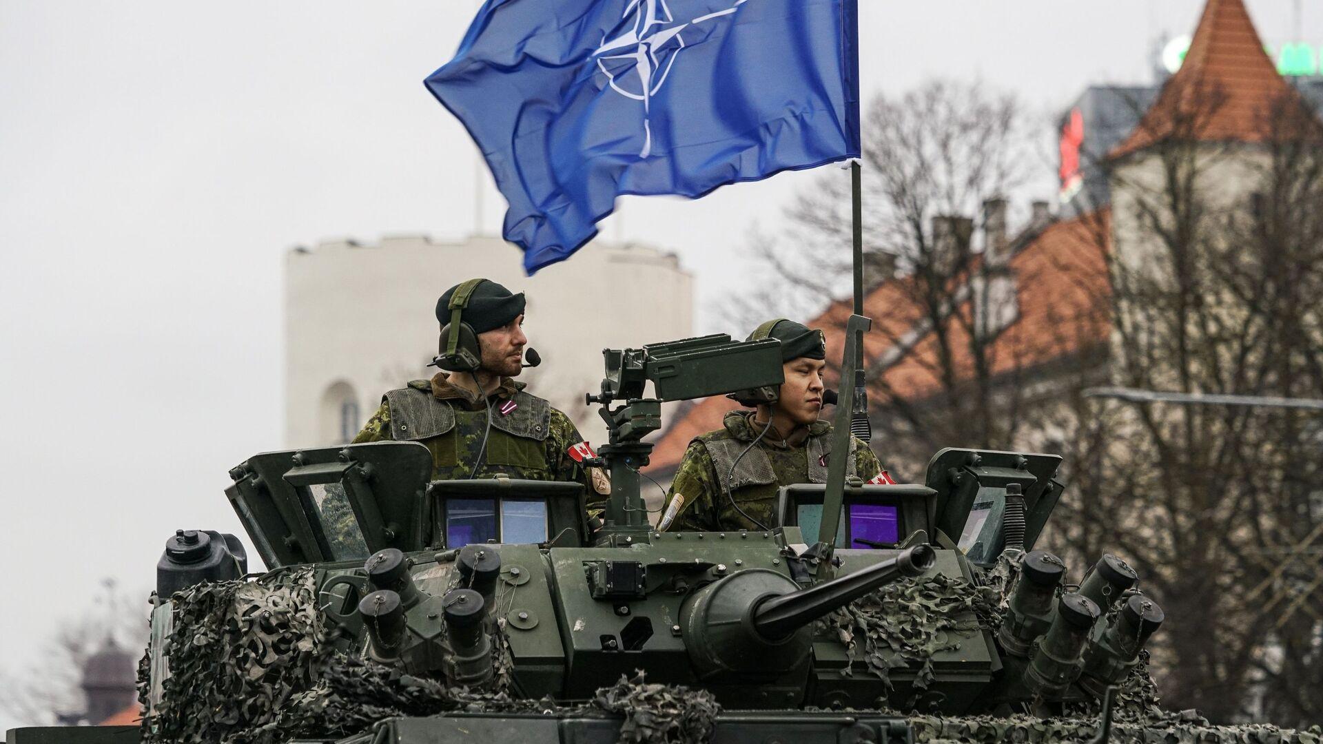 Kanadyjscy żołnierze na paradzie w Rydze z okazji Dnia Niepodległości Łotwy. - Sputnik Polska, 1920, 24.08.2021