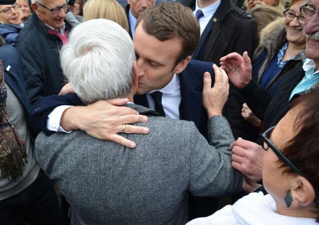 Kampania prezydencka we Francji, Emmanuel Macron