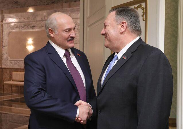 Prezydent Białorusi Alaksandr Łukaszenka i sekretarz stanu USA Mike Pompeo