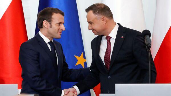 Prezydent Polski Andrzej Duda i Prezydent Francji Emmanuel Macron podczas konferencji prasowej w Warszawie - Sputnik Polska