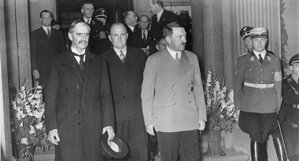 Chamberlain i Hitler  na spotkaniu w Bad Godesberg 23 września1938 roku