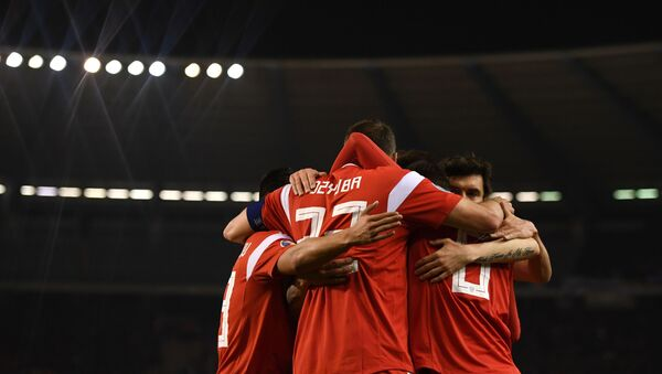 Zawodnicy reprezentacji Rosji cieszą się z gola w meczu kwalifikacyjnym Mistrzostw Europy w Piłce Nożnej 2020 pomiędzy reprezentacjami Belgii i Rosji - Sputnik Polska