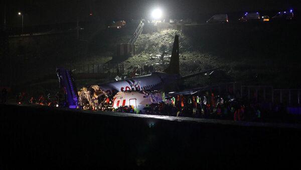Pożar samolotu Boeing 738 na lotnisku w Stambule - Sputnik Polska