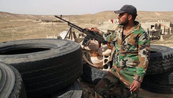 Żołnierz syryjskiej armii - Sputnik Polska