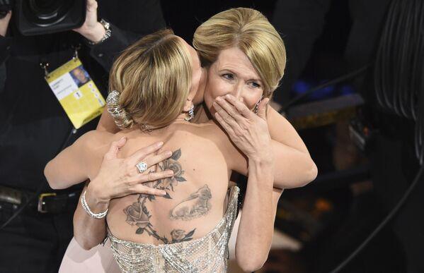 Aktorka Scarlett Johansson podczas zwycięstwa w kategorii Najlepsza żeńska rola drugiego planu podczas 92. ceremonii wręczenia Oscarów - Sputnik Polska