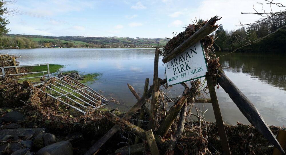 Skutki sztormu Ciara w North Wales