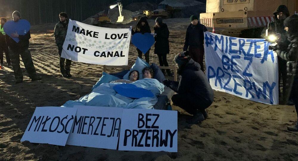 Walentynkowy protest aktywistów Obozu dla Mierzei Wiślanej