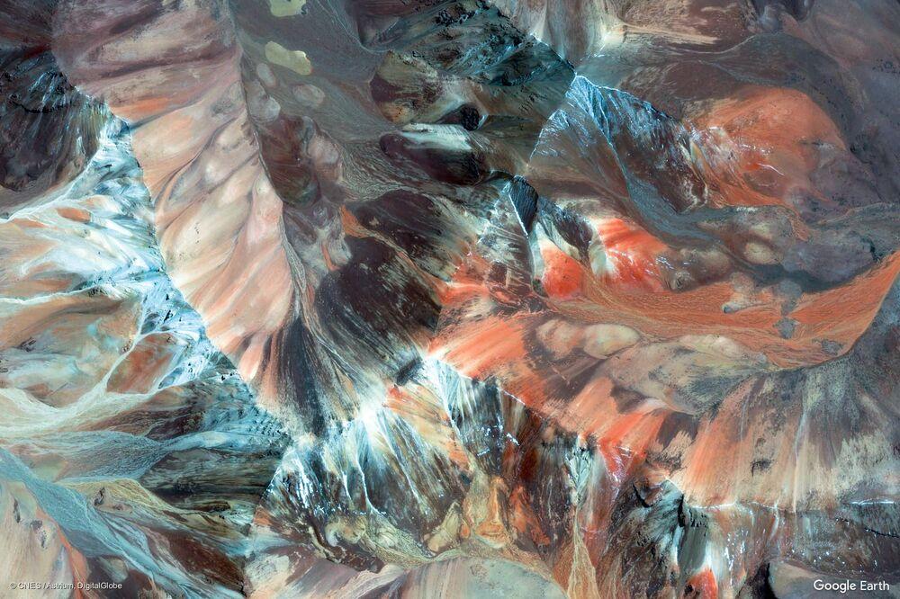 Zdjęcie z kosmosu prowincji Parinacota w regionie Arica i Parinacota, Chile.
