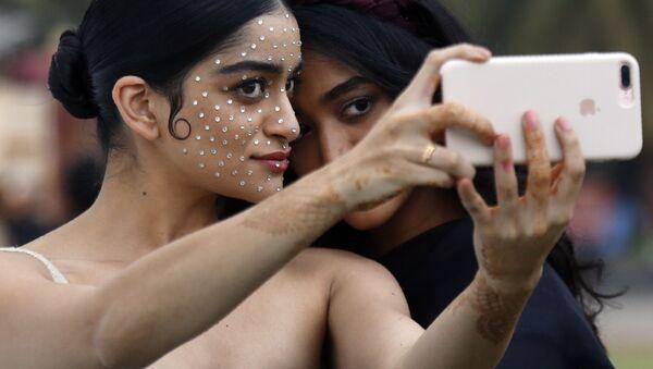 Modelki na Tygodniu Mody Lakme 2020 Summer/Resort fashion show w Bombaju - Sputnik Polska