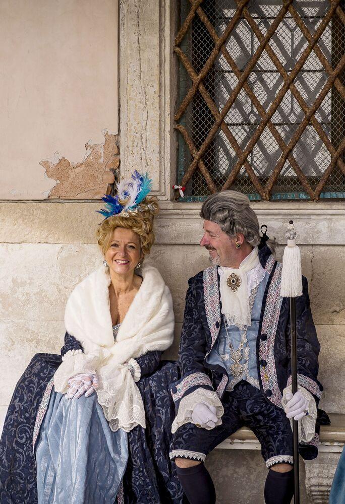 Uczestnicy karanwału w Wenecji 2020 na Placu św. Marka