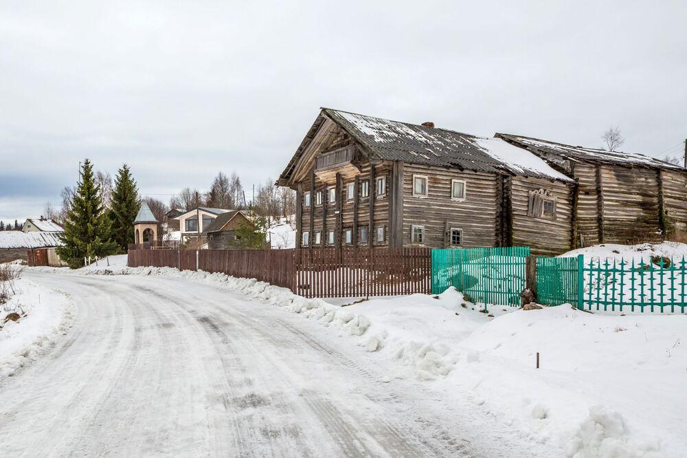 Stary dom w Karelii