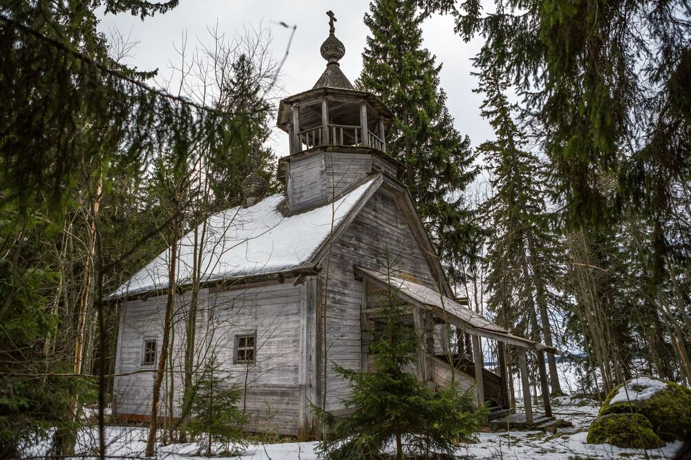 Cerkiew św. Mikołaja i Eliasza we wsi Chuynavolok