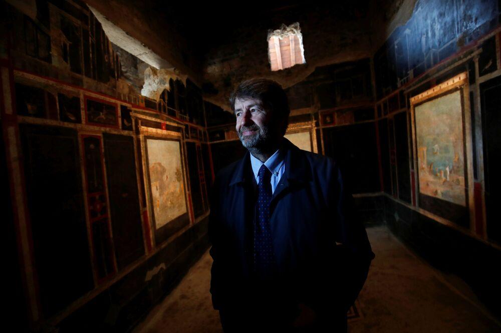 Minister kultury Włoch Dario Franceschini w Pompejach