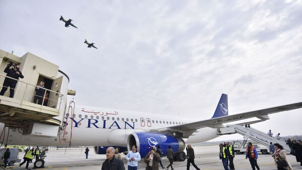 Ponowne otwarcie lotniska w Aleppo. Pierwszy od 8 lat lot z Damaszku  - Sputnik Polska