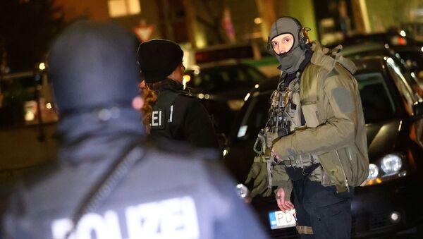 Policja i oddziały specjalne na miejscu strzelnicy w Niemczech - Sputnik Polska